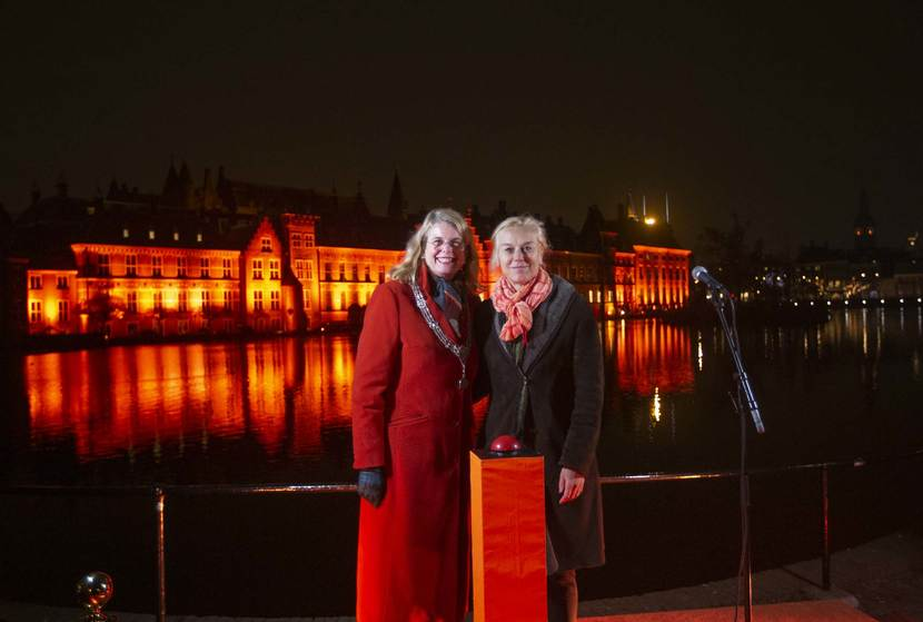 Sigrid Kaag en Pauline Krikke Orange the World